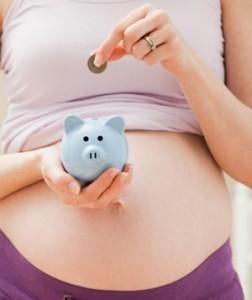 Сегодня есть возможность начать получать пособие по беременности уже со срока беременности в 12 недель