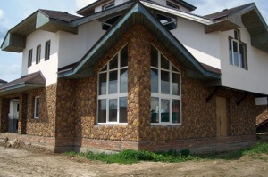 Законом предусмотрена возможность приобрести летний домик за средства материнского капитала.