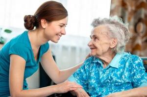 Как оформить уход за пожилым человеком правильно и законно?