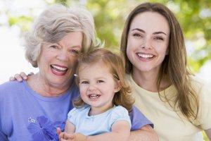 Бабушка имеет право ухаживать за ребенком, если матери не позволяет здоровье