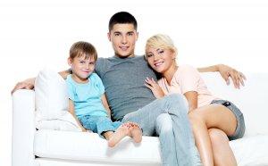 Помощь выдается семьям, которые нуждаются в улучшении жилищных условий