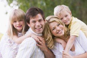 Перед передачей ребенка проводится оценка условий проживания семьи