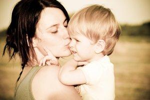 Матери одиночки могут получать региональные пособия