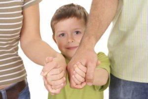 Ребенок возвращается к родным родителям или остается в органах опеки
