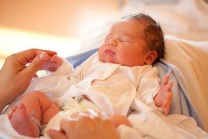 Больничный может выдать семейный врач или фельдшер
