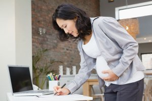 Беременной не могут отказать в очередном отпуске