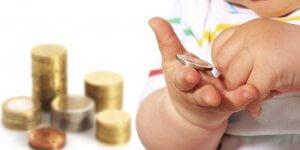 Что полагается на третьего ребенка по закону: материальная помощь