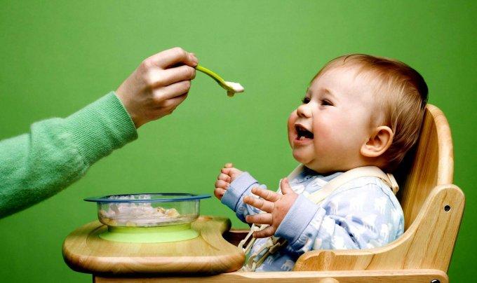 Кому по закону положено бесплатное питание для новорожденных
