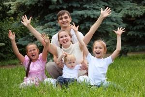 Семья становится многодетной после появления третьего ребенка