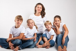 Многодетные матери получают выплаты из федерального и региональных бюджетов