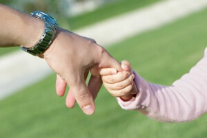 Усыновление имеет отличия от опеки, попечительства и патроната