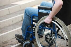 Инвалиды первой группы полностью зависимы от других людей