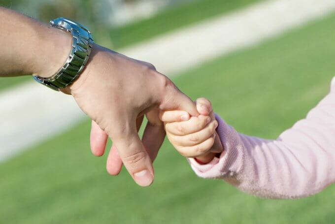 Какой положен размер вознаграждения приемным родителям?