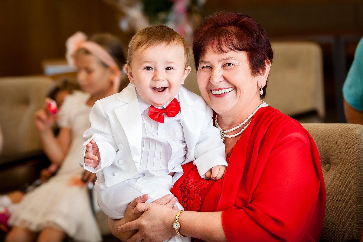 Декретный отпуск для бабушки: понятие и общая информация об использовании пособия
