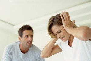Получать алименты в браке можно при невыполнении супругом обязанностей