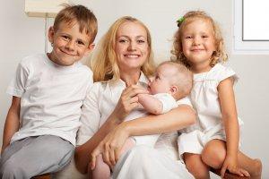 Многодетной маме положен дополнительный отпуск на 14 дней