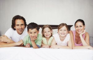 На каждого ребенка родители получают 15 тысяч рублей