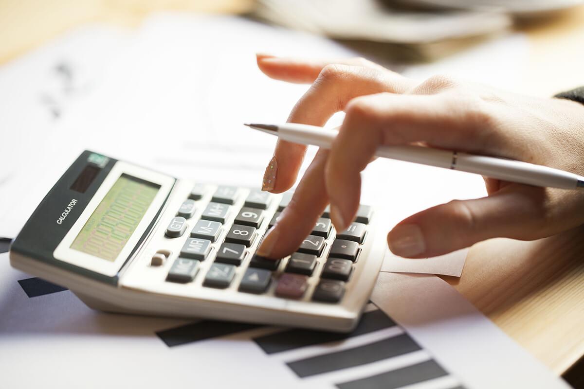 Какие выплаты положены при увольнении с фирмы