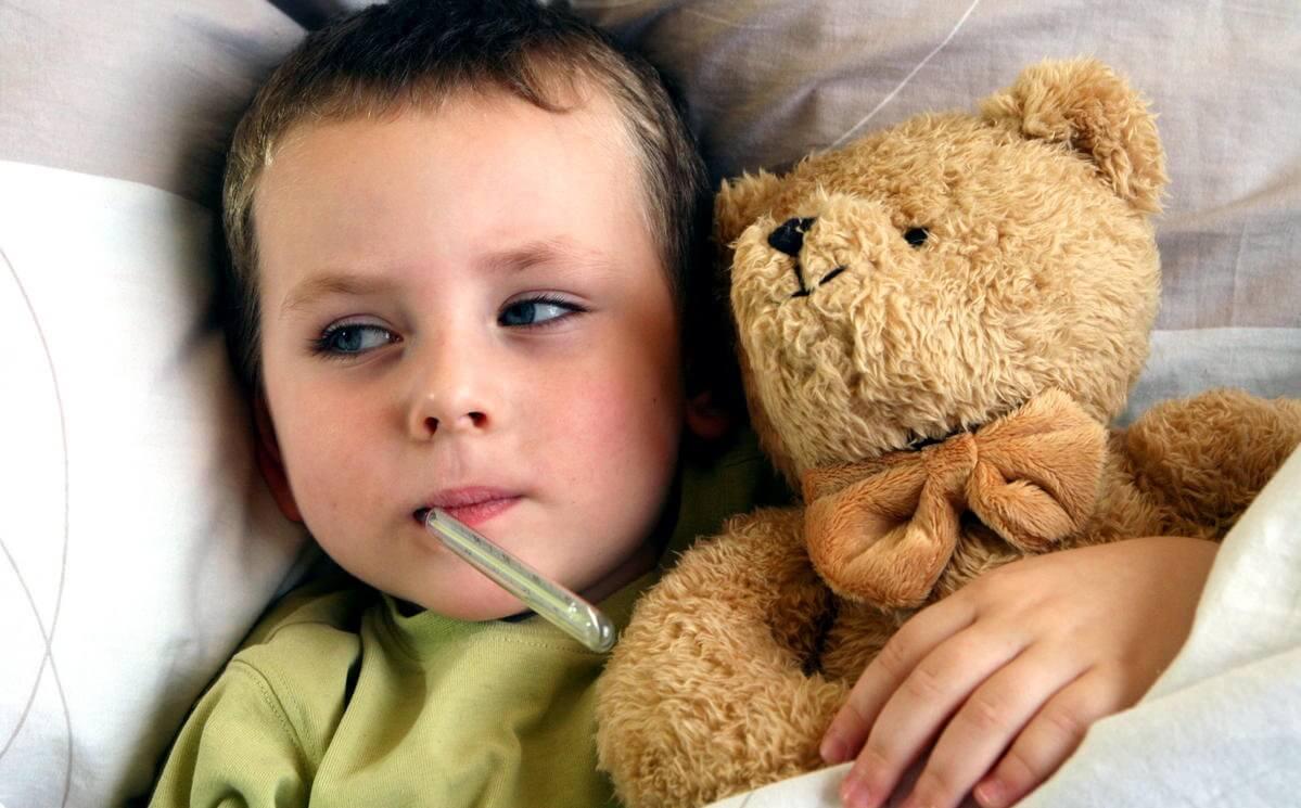 Как оформить больничный по уходу за ребенком: правила и порядок