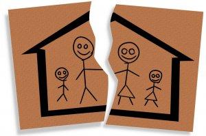 После развода дети оставляют с тем, кто финансово обеспеченей