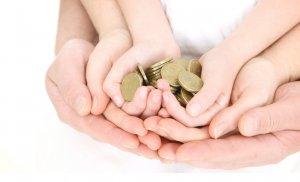 Денежная помощь многодетным семьям с детьми до 3 лет