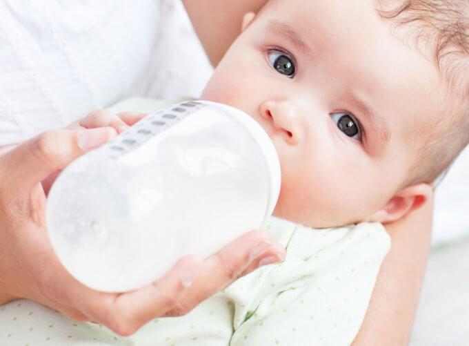 Категории, кому положено бесплатное питание для новорожденных