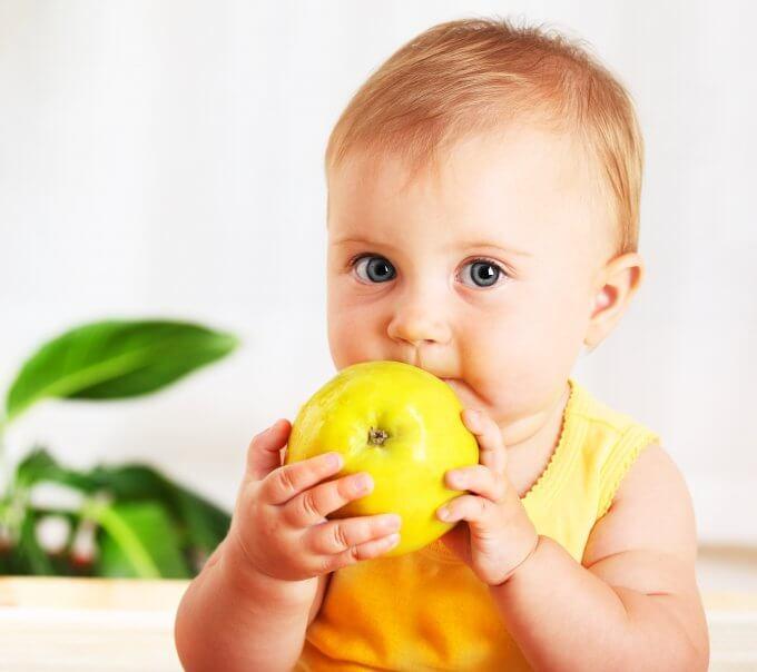 Кому положены выплаты на питание ребенка до трех лет